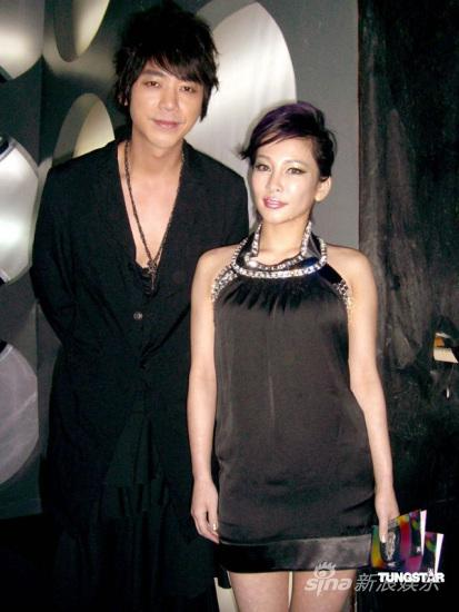 温岚获华语榜中榜肯定紫色发系引领时尚(图)