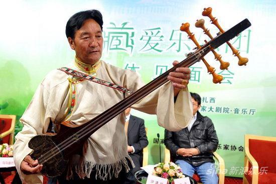 """西藏爱乐首次进京展示有来头神秘""""宝物""""(图)"""