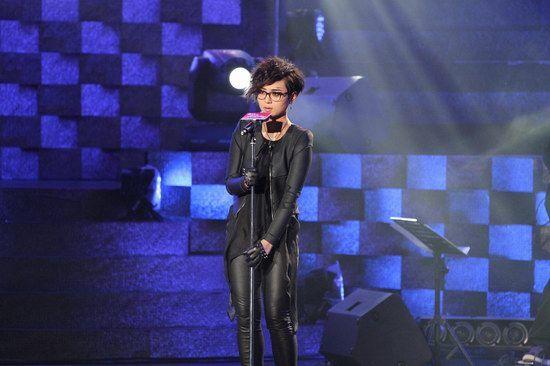 周笔畅是现场唯一LIVEBAND演唱歌手