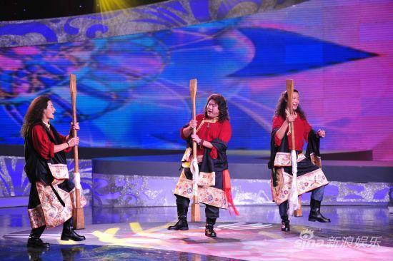 """充满原生态风情的藏族歌舞""""打阿嘎"""""""