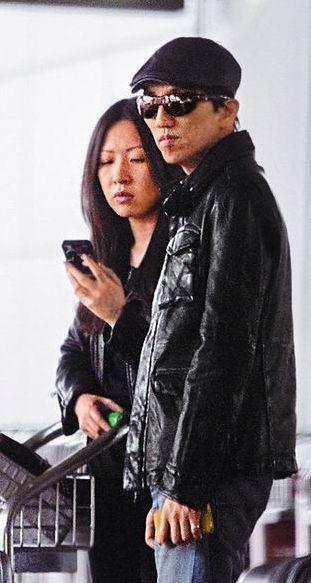 林志炫与工作伙伴被拍,传此女即是林志炫女友