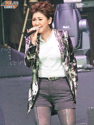 郑欣宜将在红馆献唱,以歌声悼念亡母。(资料图片)