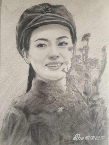 """战友歌迷将自己画的""""陈思思素描画像""""特意邮寄给陈老师,作为""""八一""""节"""