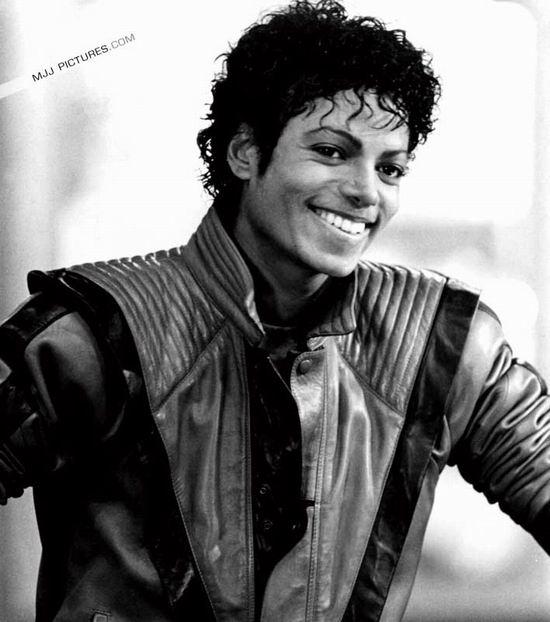 新民周刊:迈克尔-杰克逊,随风而逝的偶像(图)