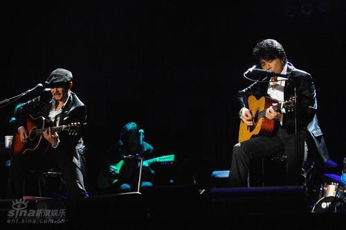 图文:恰克与飞鸟上海演唱会--经典再现