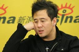 杨坤聊《集结号》主题曲四年军旅生涯有感而发