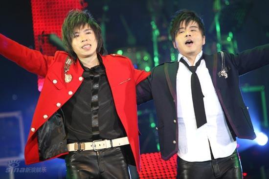 图文:水木年华北京演唱会--水木年华感谢观众