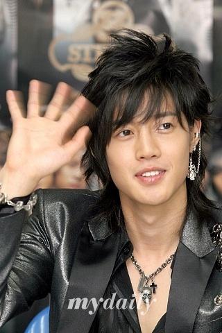 Kim Hyun Joong 6991985da0c09e399d6ee72f47753472