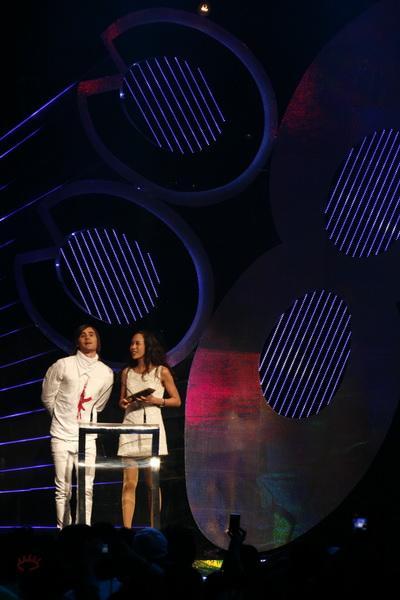 图文:MTV亚洲大奖颁奖礼-JaredLeto与莫文蔚