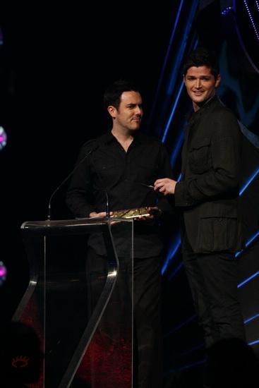 图文:MTV亚洲大奖颁奖礼-TheScript登台领奖