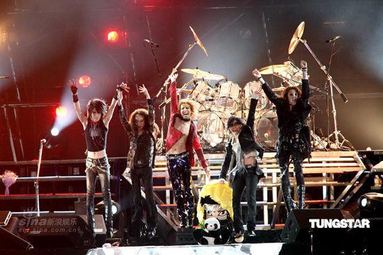 图文:X-Japan台北开唱--演唱会持续三个小时