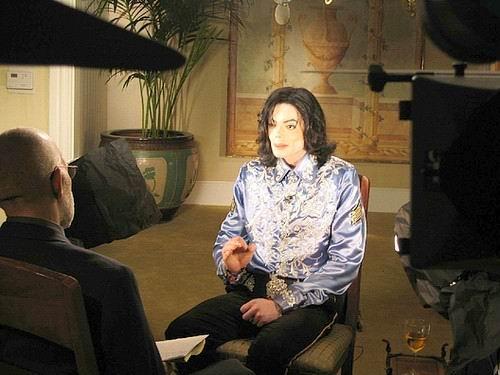 图文:杰克逊生前经典瞬间-1982皮肤变浅色