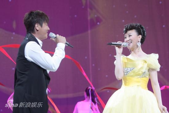图文:祖海演唱会--孙楠祖海对唱