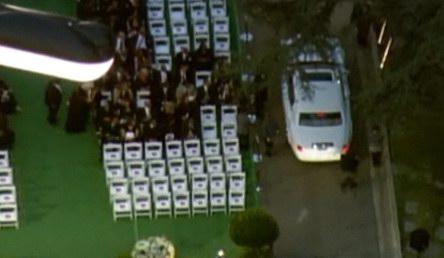 图文:杰克逊葬礼--亲友陆续到场