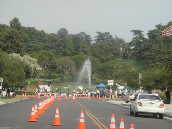 图文:杰克逊葬礼--周边道路封锁