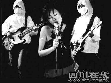 歌手陈琳跳楼身亡陈母请求警方追查死因(组图)