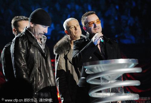 图文:2009MTV欧洲音乐大奖--U2乐队获最佳现场演出奖