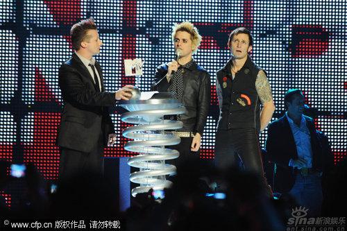 图文:2009MTV欧洲音乐大奖--绿日乐队获最佳摇滚音乐人奖