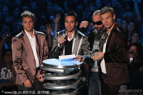 图文:2009MTV欧洲音乐大奖--后街男孩领奖致词