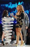 组图:碧昂丝MTV大奖独夺三元领奖尽显女王气