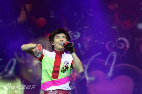 图文:林志颖上海演唱会-情绪高涨