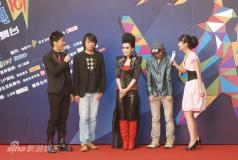 组图:东方风云榜红毯上海新人歌手成主流