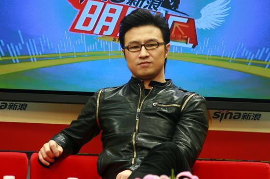 图文:汪峰聊北京个唱-汪峰称很可能重拾小提琴