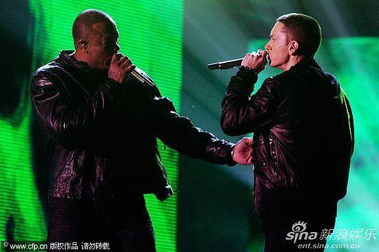 第53届格莱美现场 Dr. Dre携手痞子阿姆