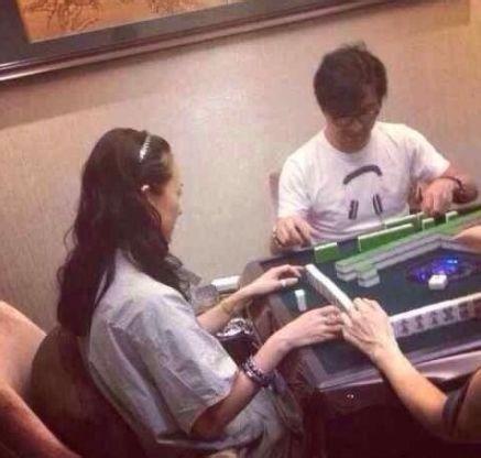 章子怡汪峰被传麻将桌上生情愫