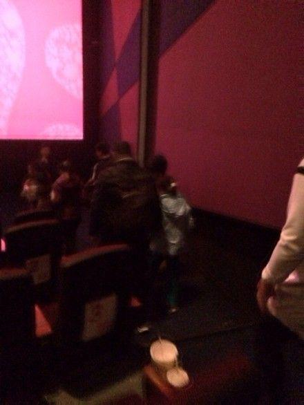 网友称只拍到汪峰与女儿的背影