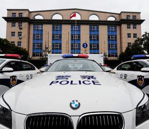 上海交警装配宝马警车护航世博