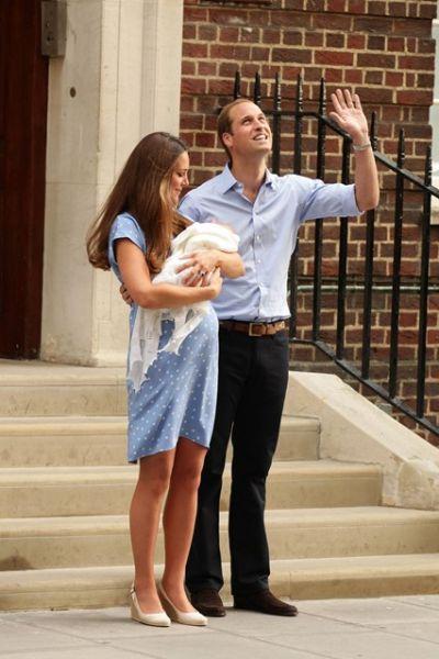 凯特王妃蓝色裙子捧红设计师Jenny Packham