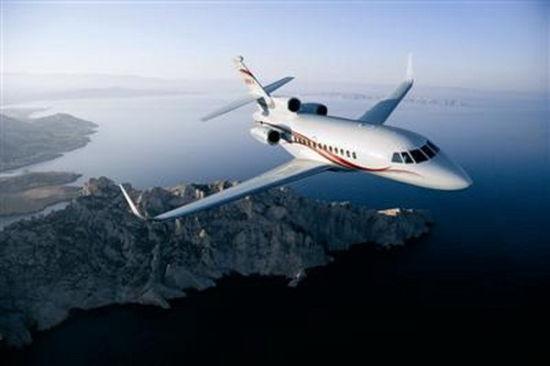 私人飞机市场火爆 想在国内飞该注意些什么?