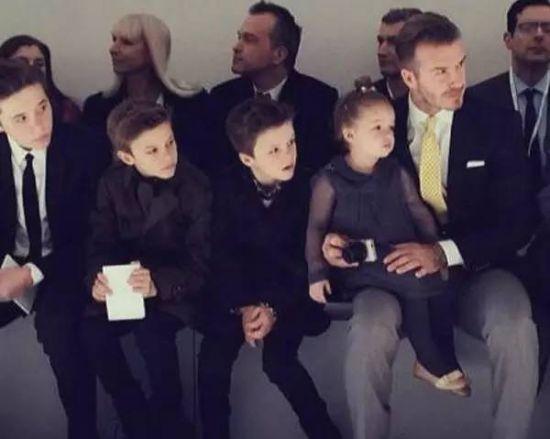 贝克汉姆有几个孩子_贝克汉姆的4个孩子,大家都已经熟悉了,三儿一女,大儿子布鲁克林,二