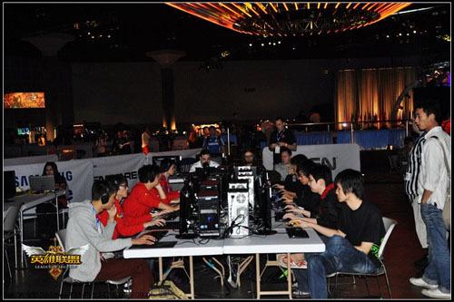 WCG2010现场中国队比赛中
