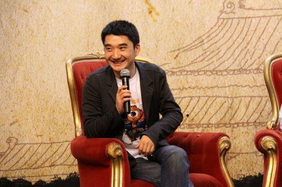 新浪游戏事业部总经理刘运利主持论坛