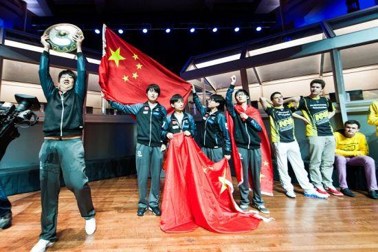 图8:iG战队获得《DOTA2》第二届国际邀请赛冠军