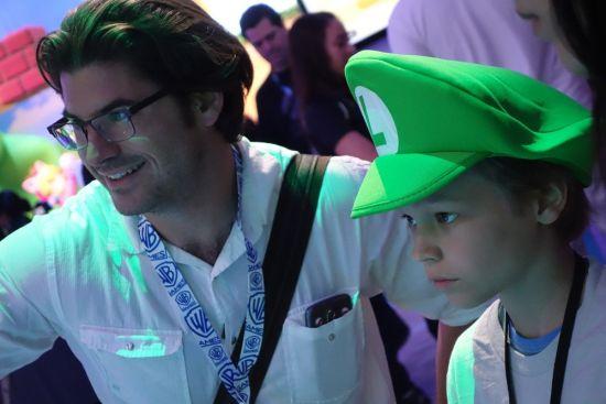 E3上的玩家们 (15)