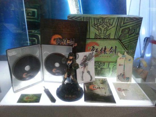 现场的《轩辕剑6》豪华版内容物展示