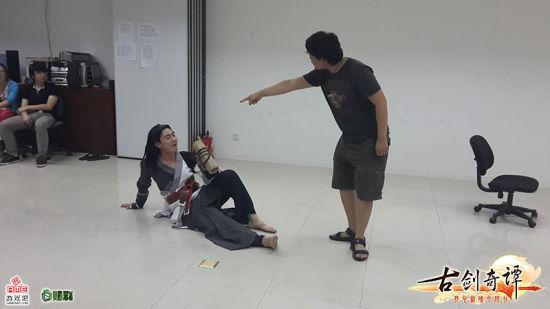 """""""尹千觞""""与神秘角色对戏"""