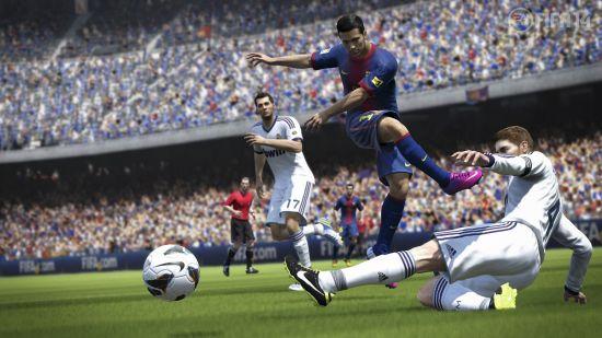 《FIFA 14》游戏截图 (16)