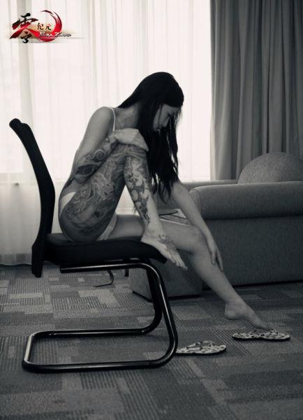 零纪元明日公测美女纹身师引领pk革命