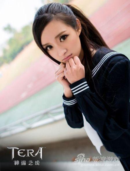 陈丹婷在微博中分享了自己多张生活照片,网友惊叹发现与明星杨幂的