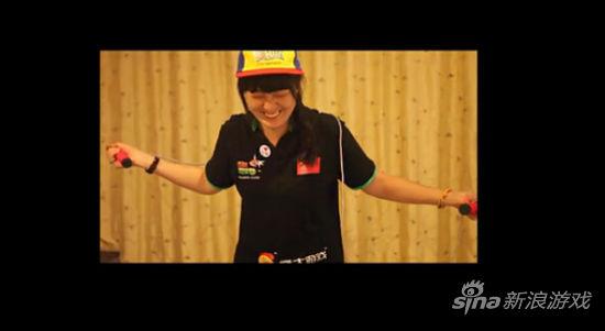 《超级跑跑》中国队成员挑战指压板跳绳 (6)