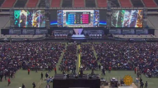 超过4万个观众在首尔观看《英雄联盟》总冠军赛