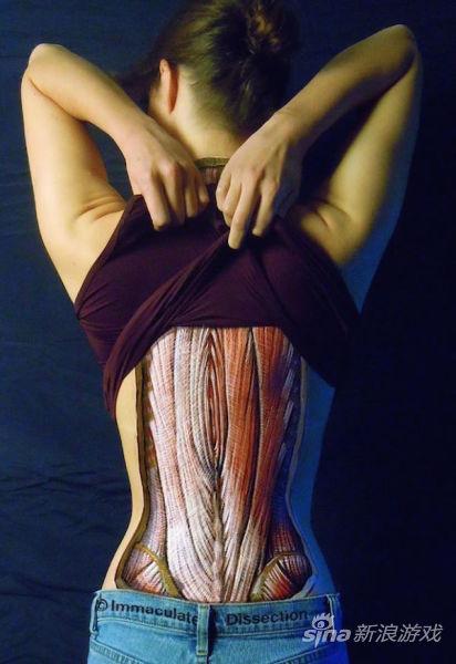 肌肉骨骼可见 女巨人重口味人体彩绘_网络游戏_新浪
