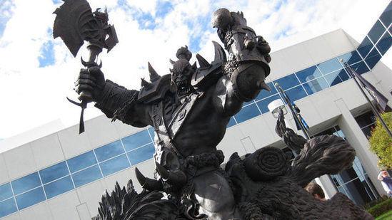 刀锋女王降临 暴雪法国总部竖起凯瑞甘铜像