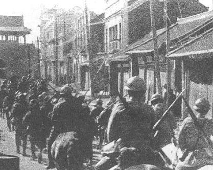 """""""九一八""""事变后,日军进入沈阳。"""