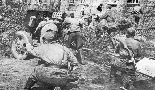 苏联炮兵在牡丹江地区参与攻击