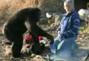 大猩猩受生火煮饭